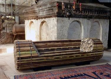Bamboo bench (source: www.elenagoray.wordpress.com)