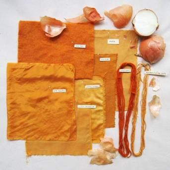 (Source: https://www.folkfibers.com/blogs/news/6579481-natural-dyes-red-onion-skins)